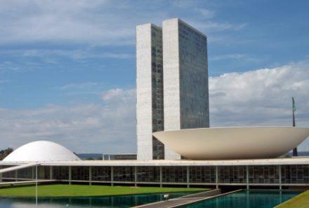 Senado aprova MP que amplia o uso de assinaturas eletrônicas
